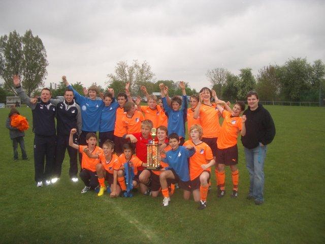 Die strahlenden Sieger: die Mannschaft des TSG 1899 Hoffenheim